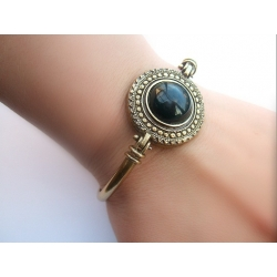 734 Brass bracelet with Onyx