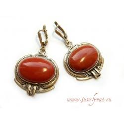 žalvariniai auskarai su raudonuoju jaspiu