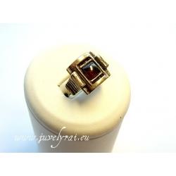 Žalvarinis žiedas su granatu