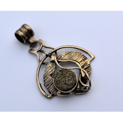 1467 Brass pendant with Marcasites