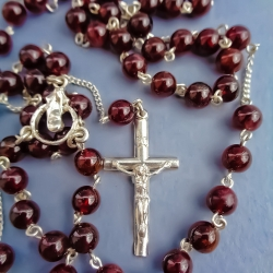 Silver rosary with Garnet [R020]