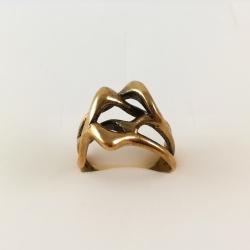 2214 Žalvarinis žiedas