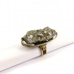 2663 Žalvarinis žiedas su Piritu