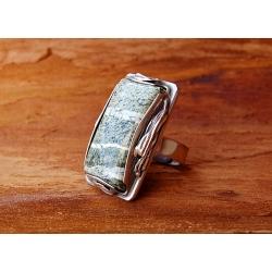 2035 Vienetinis Sidabrinis žiedas su Serpentinu Ag 925