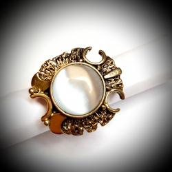 2823 Žalvarinis žiedas su Katės akim